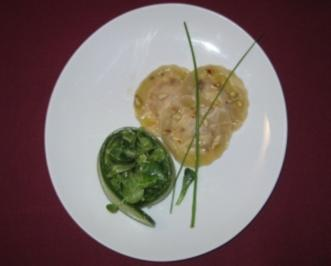 Rezept: Ravioli mit Butternusskrbis-Ricotta-Fllung an Salatbouquet