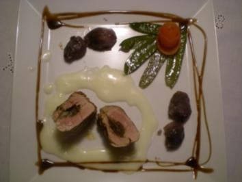 geflltes Schweinefilet an Champagnersauce mit Trffelkartoffel & grnen Schoten