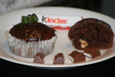 buttermilch muffins mit kinderschokoladen f llung. Black Bedroom Furniture Sets. Home Design Ideas