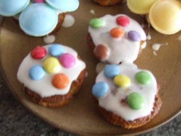 muffins mit brausepulver kick und smarties rezept. Black Bedroom Furniture Sets. Home Design Ideas