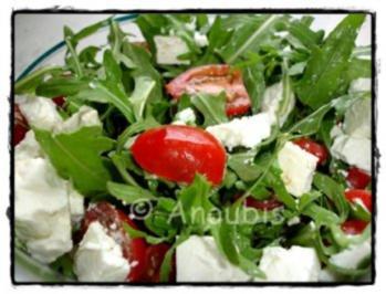 salat rucola mit feta und tomaten rezept. Black Bedroom Furniture Sets. Home Design Ideas