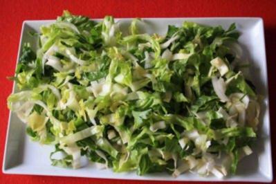 sommerlicher salat mit gebratener avocado rezept. Black Bedroom Furniture Sets. Home Design Ideas