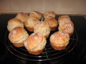 muffins br tchen mit buttermilch und leinsamen rezept. Black Bedroom Furniture Sets. Home Design Ideas