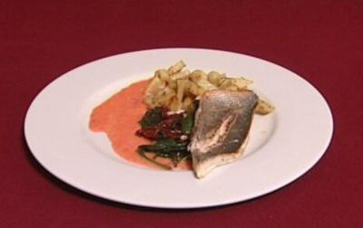 Dorade grise mit Bratkartoffeln und Sauce Rouille (Ralph Morgenstern)