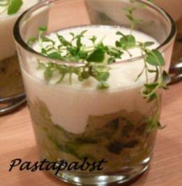 Zucchini mit Parmesancreme im Glas