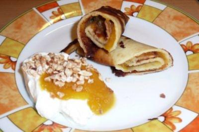pfannkuchen mit apfel aprikosenmus und ger steten mandeln rezept. Black Bedroom Furniture Sets. Home Design Ideas