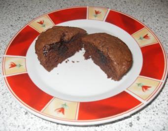 rezept schoko muffins mit fl ssigem kern. Black Bedroom Furniture Sets. Home Design Ideas