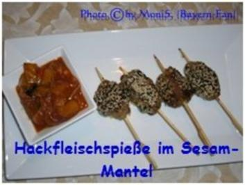 Hackfleisch-Spiee im Sesam-Mantel