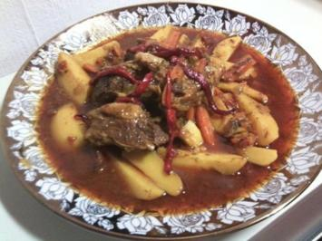 marokkanische fleisch tajine mit zwiebeln tomaten und kartoffeln rezept. Black Bedroom Furniture Sets. Home Design Ideas