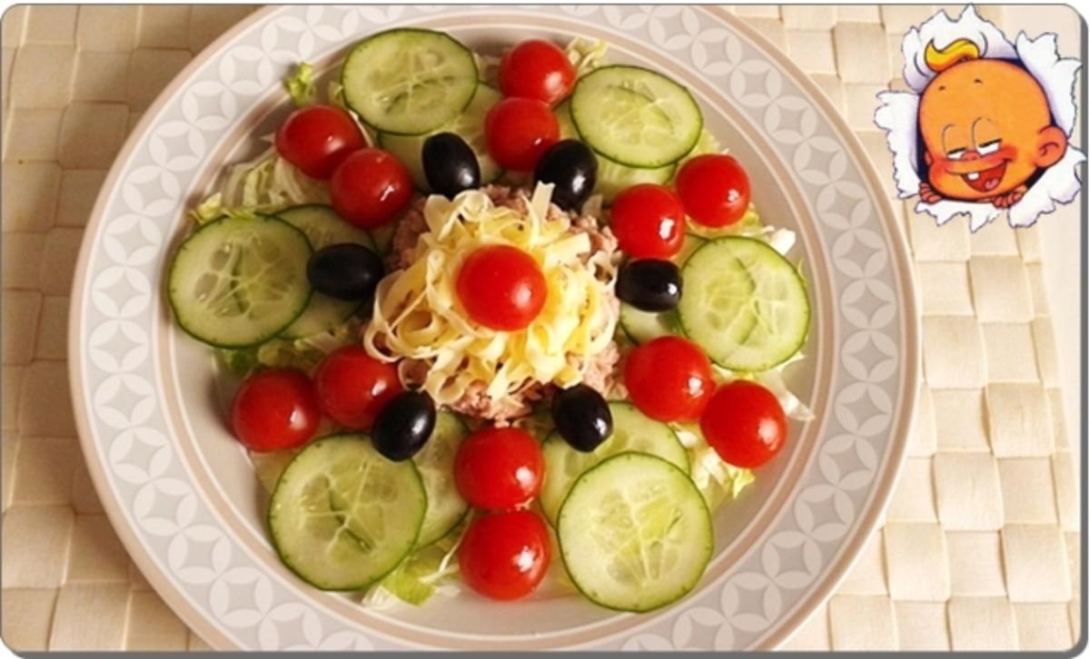 eisbergsalat mit thunfisch tomaten gurken und rezept. Black Bedroom Furniture Sets. Home Design Ideas